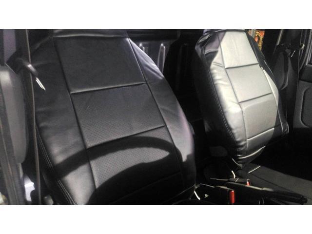 ジャンボ 4WD エアコン パワステ 5速マニュアル車 LEDヘッドライト 社外15インチアルミホイール ボコボコタイヤ 革調シートカバー メッキパーツ オールペイント(13枚目)