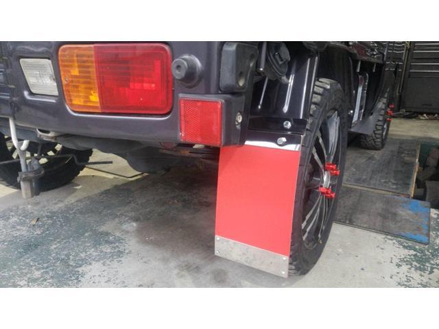 ジャンボ 4WD エアコン パワステ 5速マニュアル車 LEDヘッドライト 社外15インチアルミホイール ボコボコタイヤ 革調シートカバー メッキパーツ オールペイント(14枚目)