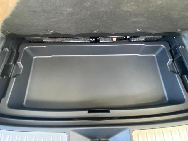 Z レザーパッケージ 自社デモカー4WDモデリスタエアロ調光ルーフITSコネクトパノラミックビュー寒冷地1500WコンセントJBLナビトヨタセーフティセンスBSMデジタルインナーミラー黒革エアパワーシート(45枚目)