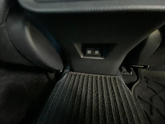 Z レザーパッケージ 自社デモカー4WDモデリスタエアロ調光ルーフITSコネクトパノラミックビュー寒冷地1500WコンセントJBLナビトヨタセーフティセンスBSMデジタルインナーミラー黒革エアパワーシート(68枚目)