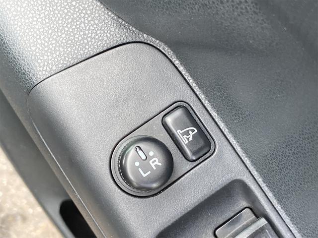カスタム RS ターボ車 HIDヘッドライト 純正15インチアルミ 純正エアロ メモリーナビフルセグTV Bluetooth DVD再生 スマートキー ベンチシート タイミングチェーン(11枚目)