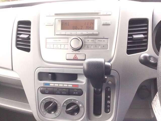 FX CDチューナー キーレスキー エアバック フルフラ PS ABS マニュアルエアコン キーレスエントリーシステム セキュリティ-アラ-ム パワーウインドー ベンチシート車 CDオーディオ付 WAB(3枚目)