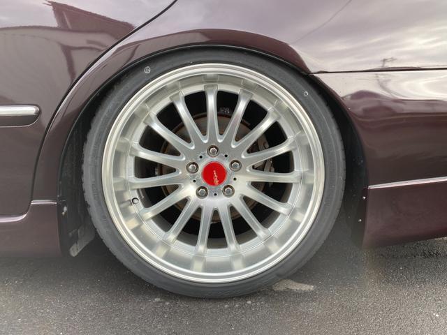 ロイヤルサルーン 車高調 19インチアルミ クルコン(9枚目)