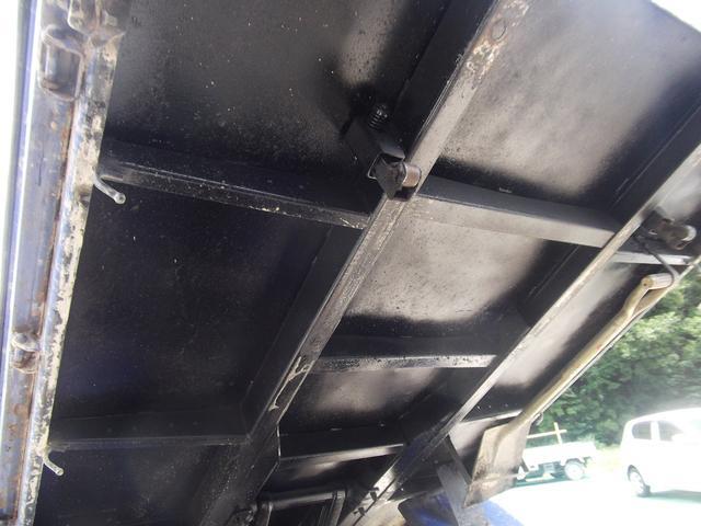 車輌販売だけでなく、各種架装も承ります。その他、クレーン修理、トラックパーツ修理、金属パーツ加工、メッキパーツ販売取付、荷台床の鉄板張りなど、なんでもご相談ください!