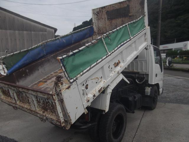 コボレーンなどダンプの架装も承ります。トラック専門整備会社からテント会社まで提携工場でサポート!