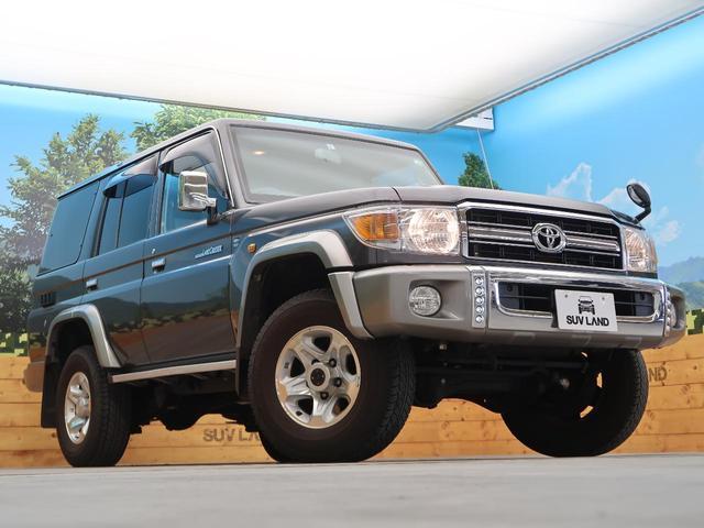 バン SDナビ 電動デフロック 5MT 背面タイヤ 4WD 1オーナー 禁煙車 ETC サイドステップ マニュアルエアコン/リアヒーター 純正16AW ベンチシート Bluetooth接続可(24枚目)