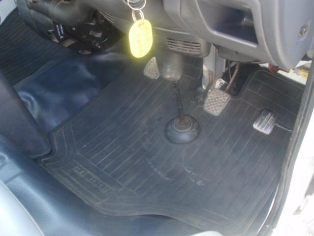セレクティブ4WD・EL付・5速MT・A/C・運転席エアバック・三方開・純正ラジオ・荷台マット・荷台作業灯・記録簿・(16枚目)