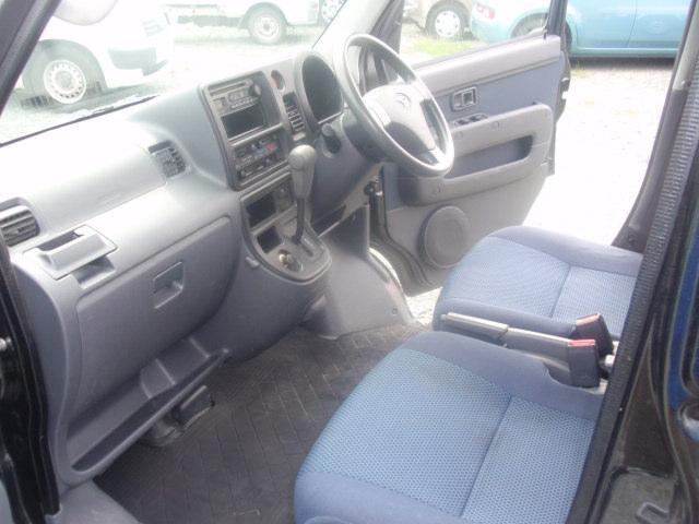 クルーズターボ 4WD・4AT・A/C・P/S・P/W・ABS・ライトレベライザー・キーレス・電格ミラー・フロントシェルフ・純正ラジオ・プライバシーガラス・(15枚目)