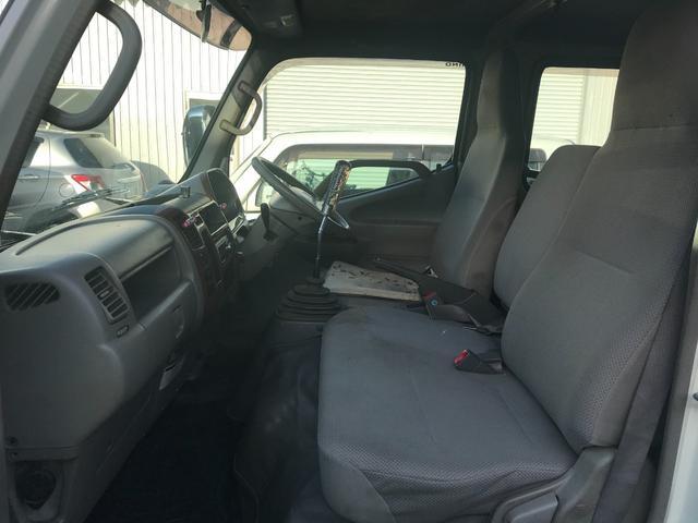 Wキャブロング 1.0tディーゼル 4WD 5速マニュアル車 6人乗り メッキパーツ CDオーディオ(3枚目)