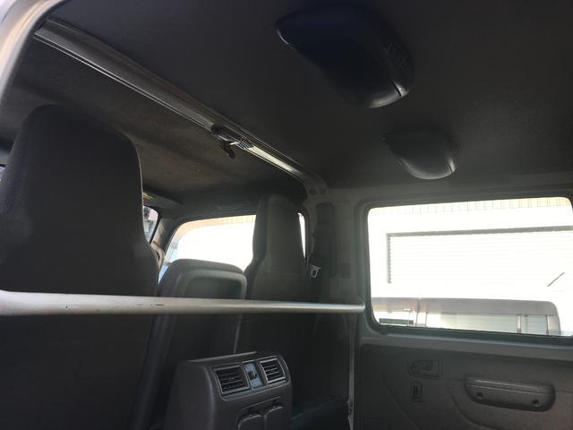Wキャブロング 1.0tディーゼル 4WD 5速マニュアル車 6人乗り メッキパーツ CDオーディオ(7枚目)