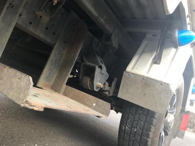 Wキャブロング 1.0tディーゼル 4WD 5速マニュアル車 6人乗り メッキパーツ CDオーディオ(9枚目)