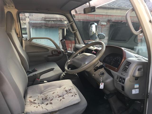 Wキャブロング 1.0tディーゼル 4WD 5速マニュアル車 6人乗り メッキパーツ CDオーディオ(20枚目)