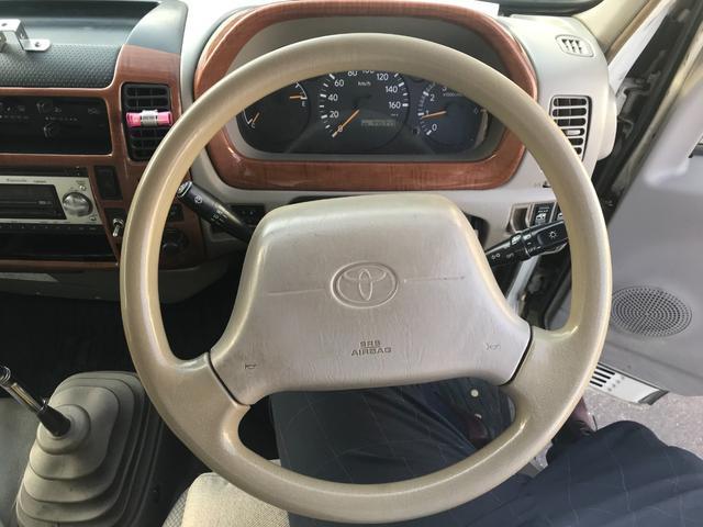 Wキャブロング 1.0tディーゼル 4WD 5速マニュアル車 6人乗り メッキパーツ CDオーディオ(24枚目)