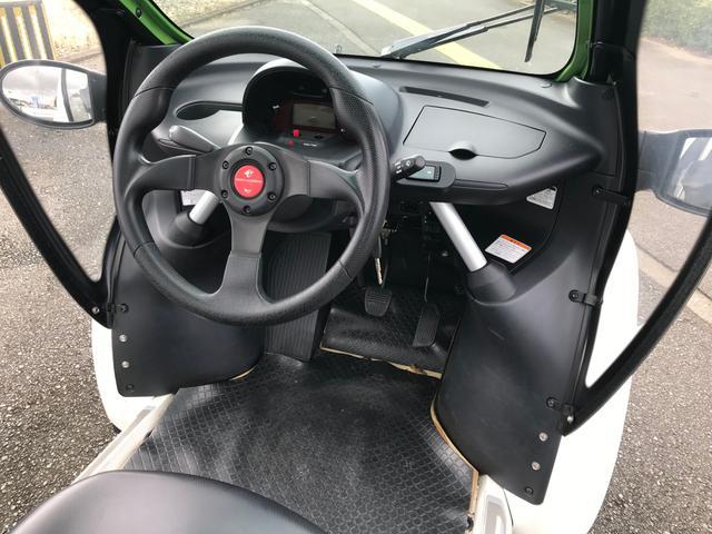 P-com ドア付き 小型電気自動車 家庭用100V充電OK(12枚目)