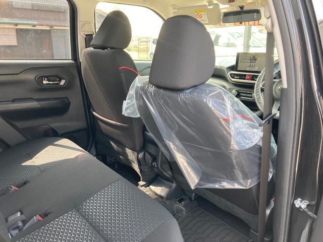 ご家族などを乗せるリアシートです。大切な方を乗せるからには、乗り心地が気になりますね。