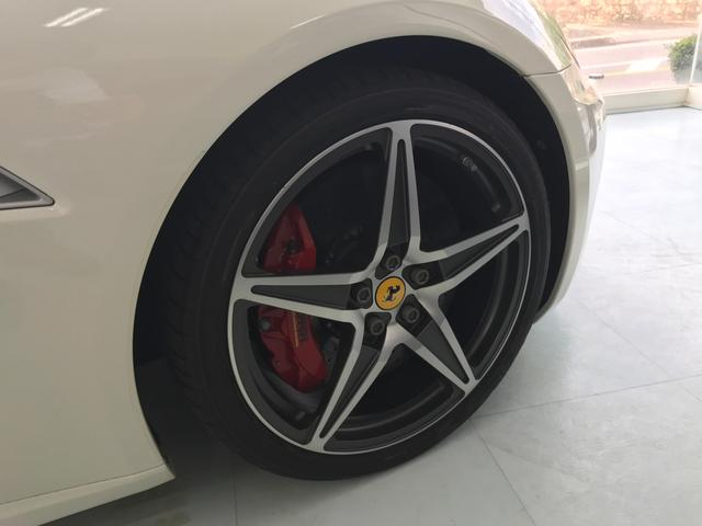 「フェラーリ」「カリフォルニア30」「オープンカー」「鹿児島県」の中古車5