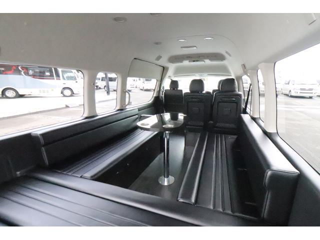 グランドキャビン セカンドハウス製 10人乗り 3ナンバー 2.7L ガソリン SDナビ ETC フリップダウンモニター リヤクーラー・ヒーター 20AW スマートキー 電動スライドドア テーブル 展開式ベッド(2枚目)