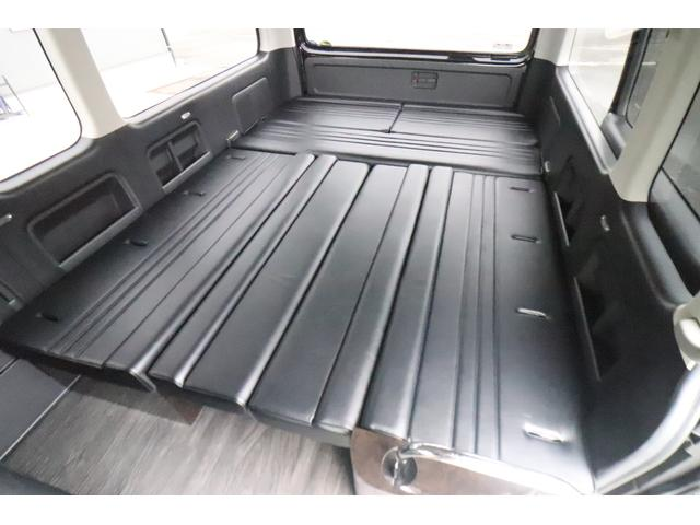 グランドキャビン セカンドハウス製 10人乗り 3ナンバー 2.7L ガソリン SDナビ ETC フリップダウンモニター リヤクーラー・ヒーター 20AW スマートキー 電動スライドドア テーブル 展開式ベッド(10枚目)
