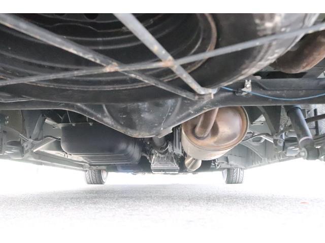 グランドキャビン セカンドハウス製 10人乗り 3ナンバー 2.7L ガソリン SDナビ ETC フリップダウンモニター リヤクーラー・ヒーター 20AW スマートキー 電動スライドドア テーブル 展開式ベッド(16枚目)