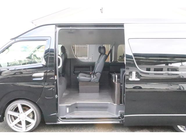 グランドキャビン セカンドハウス製 10人乗り 3ナンバー 2.7L ガソリン SDナビ ETC フリップダウンモニター リヤクーラー・ヒーター 20AW スマートキー 電動スライドドア テーブル 展開式ベッド(28枚目)
