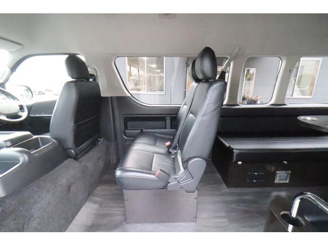 グランドキャビン セカンドハウス製 10人乗り 3ナンバー 2.7L ガソリン SDナビ ETC フリップダウンモニター リヤクーラー・ヒーター 20AW スマートキー 電動スライドドア テーブル 展開式ベッド(32枚目)