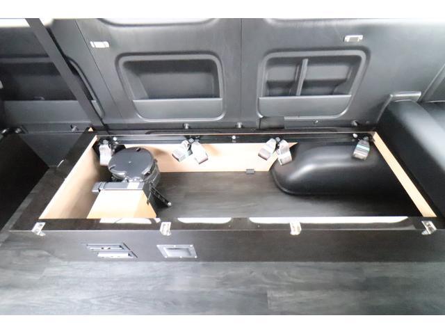 グランドキャビン セカンドハウス製 10人乗り 3ナンバー 2.7L ガソリン SDナビ ETC フリップダウンモニター リヤクーラー・ヒーター 20AW スマートキー 電動スライドドア テーブル 展開式ベッド(34枚目)