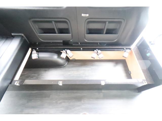グランドキャビン セカンドハウス製 10人乗り 3ナンバー 2.7L ガソリン SDナビ ETC フリップダウンモニター リヤクーラー・ヒーター 20AW スマートキー 電動スライドドア テーブル 展開式ベッド(35枚目)