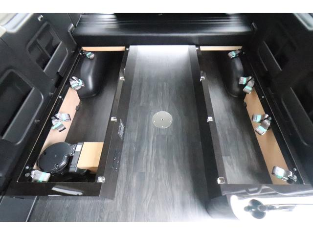 グランドキャビン セカンドハウス製 10人乗り 3ナンバー 2.7L ガソリン SDナビ ETC フリップダウンモニター リヤクーラー・ヒーター 20AW スマートキー 電動スライドドア テーブル 展開式ベッド(36枚目)