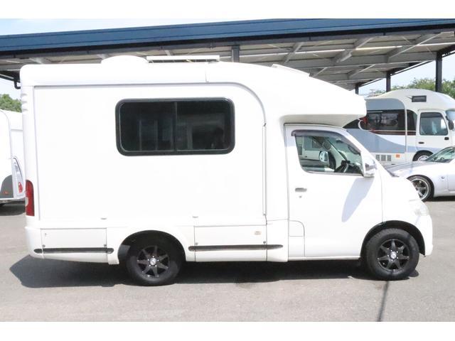 キャンピングカー AtoZ アレン タイプII キャンピングカー AtoZ アレンII 6名乗車 ソーラーパネル ツインサブバッテリー 冷蔵庫 電子レンジ 1000Wインバーター マックスファン MPPTコントローラー メモリーナビ メーター交換車(23枚目)