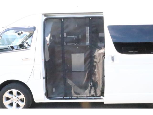 キャンピングカー ビークル デュオ タイプC 9人乗り FFヒーター TV 冷蔵庫 外部電源 ツインサブバッテリー 1500Wインバーター 4WD SDナビ LEDヘッドライト シンク カセットコンロ 強化スタビライザー(9枚目)
