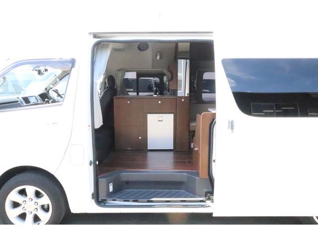キャンピングカー ビークル デュオ タイプC 9人乗り FFヒーター TV 冷蔵庫 外部電源 ツインサブバッテリー 1500Wインバーター 4WD SDナビ LEDヘッドライト シンク カセットコンロ 強化スタビライザー(46枚目)