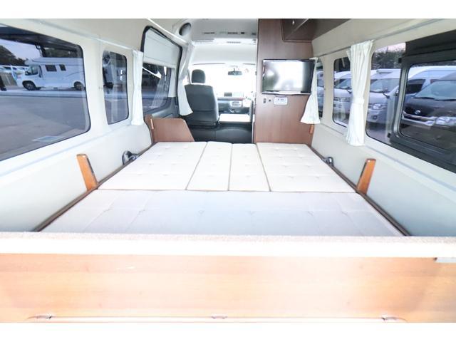キャンピングカー ビークル デュオ タイプC 9人乗り FFヒーター TV 冷蔵庫 外部電源 ツインサブバッテリー 1500Wインバーター 4WD SDナビ LEDヘッドライト シンク カセットコンロ 強化スタビライザー(71枚目)