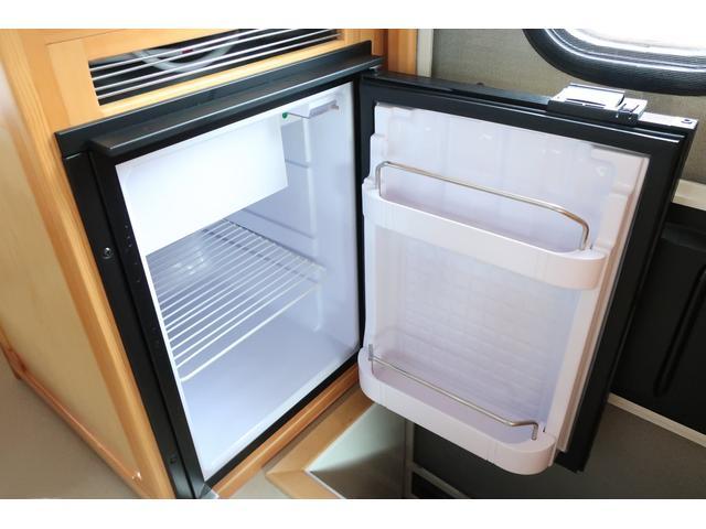キャンピングカー AtoZ アミティ 6名乗車 ツインサブBT 350Wインバーター 冷蔵庫 外部電源 シンク シンク兼用アウターシャワー 給排水ポリタンク ETC ルーフベント バックモニター ドライブレコーダー 常設2段ベッド(7枚目)