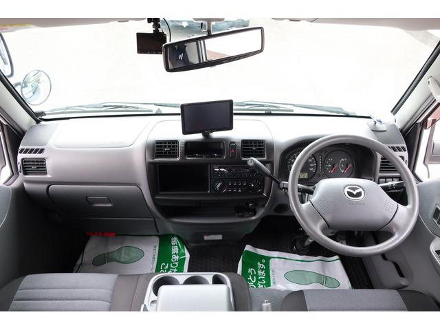 キャンピングカー AtoZ アミティ 6名乗車 ツインサブBT 350Wインバーター 冷蔵庫 外部電源 シンク シンク兼用アウターシャワー 給排水ポリタンク ETC ルーフベント バックモニター ドライブレコーダー 常設2段ベッド(12枚目)