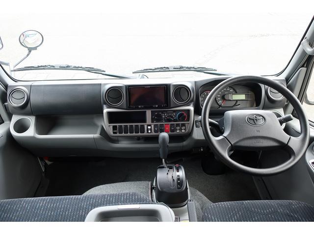 ナッツRV クレアエボリューション 5.0XX キャンピングカー 軽油 6名乗車 FFヒーター インバーター ソーラーパネル TV 電子レンジ トリプルサブバッテリー 家庭用エアコン 1500Wインバーター 外部電源 メモリーナビ バックモニター(12枚目)