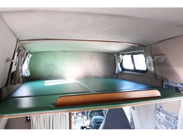 キャンピングカー AtoZ アーデンスペンド 7名乗車 ディーゼル サイドオーニング ルーフベント シンク兼用アウターシャワー 冷蔵庫 サブバッテリー 外部電源 ダイネット バンクベッド 20L給排水ポリタンク FFヒーター(11枚目)