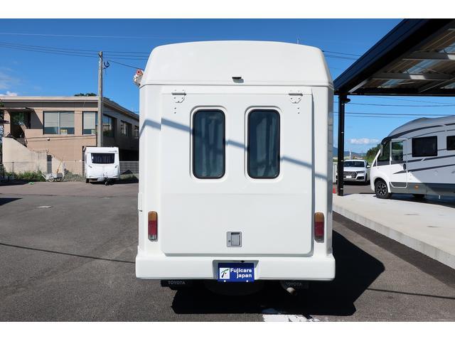 キャンピングカー AtoZ アーデンスペンド 7名乗車 ディーゼル サイドオーニング ルーフベント シンク兼用アウターシャワー 冷蔵庫 サブバッテリー 外部電源 ダイネット バンクベッド 20L給排水ポリタンク FFヒーター(24枚目)