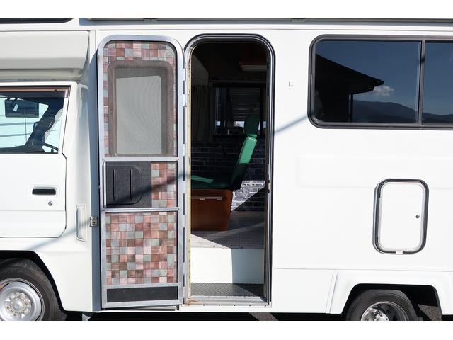 キャンピングカー AtoZ アーデンスペンド 7名乗車 ディーゼル サイドオーニング ルーフベント シンク兼用アウターシャワー 冷蔵庫 サブバッテリー 外部電源 ダイネット バンクベッド 20L給排水ポリタンク FFヒーター(40枚目)