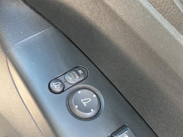 G・Lパッケージ シティブレーキアクティブシステム 純正ナビ地デジ バックカメラ ETC 片側電動スライドドア スマートキー プッシュスターター(19枚目)