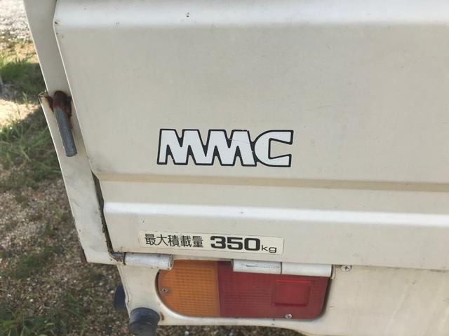 4WD・4速マニュアル車・走行距離40461km実走行・最大積載量350kg(15枚目)