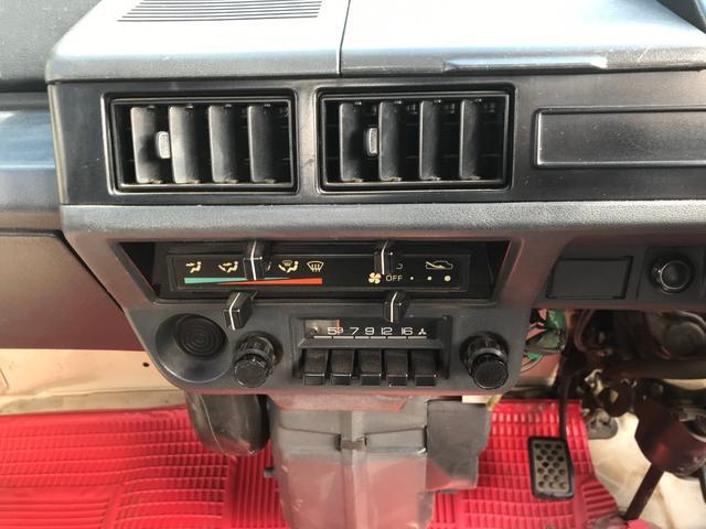 4WD・4速マニュアル車・走行距離40461km実走行・最大積載量350kg(27枚目)
