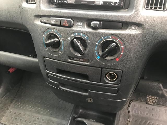 U 4WD 5速マニュアル車 2インチリフトアップ公認 15インチブロックタイヤ サブウーファー シート変更 メモリーナビ フルセグTV DVD再生(34枚目)