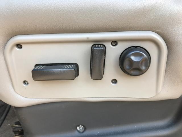 タイプS 4WD 新品ナビ 1ナンバー サンルーフ 革シート バックカメラ ヘッドレストモニター エンジンスターター BOSEスピーカー 社外22AW ヒッチメンバー 4本出ワンオフマフラー ローダウン LEDライト&フォグ 社外マフラー メッキパーツ(38枚目)