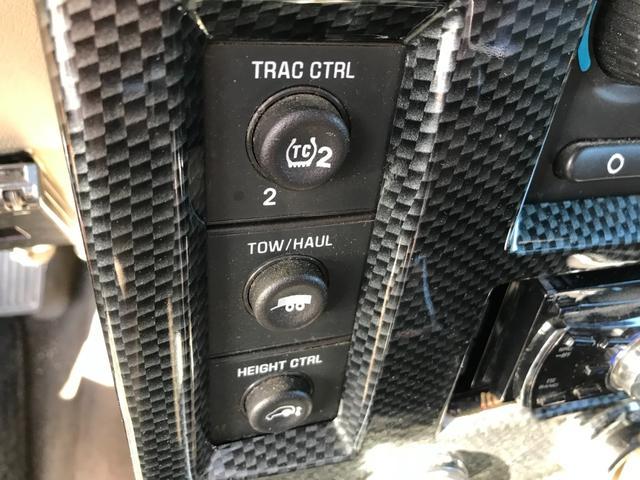 タイプS 4WD 新品ナビ 1ナンバー サンルーフ 革シート バックカメラ ヘッドレストモニター エンジンスターター BOSEスピーカー 社外22AW ヒッチメンバー 4本出ワンオフマフラー ローダウン LEDライト&フォグ 社外マフラー メッキパーツ(50枚目)