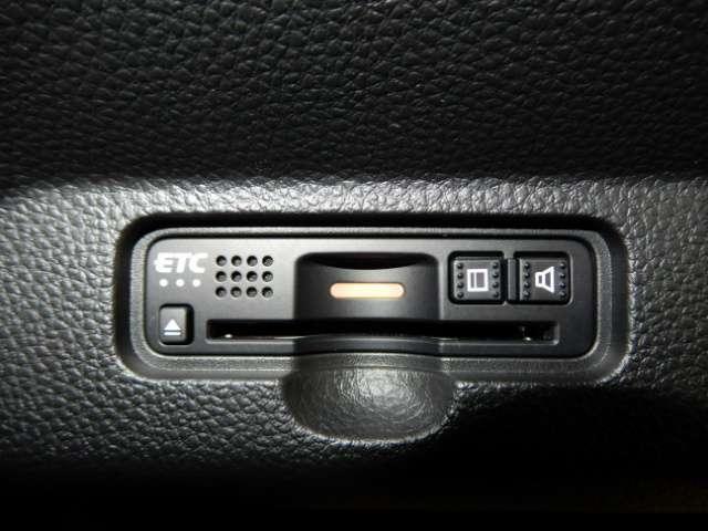 L・ターボホンダセンシング 試乗車 禁煙車 メモリーナビフルセグTV バックカメラ ETC スマートキー クリアランスソナー LEDヘッドライト 純正アルミ 純正エアロ(16枚目)