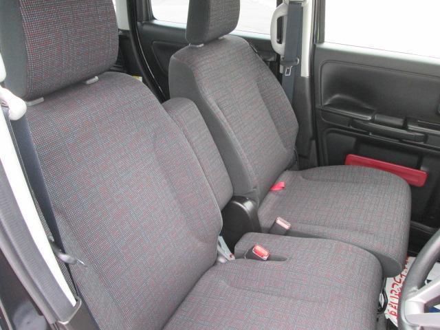 スズキセーフティサポート装着車 フロアマットジュータン装着車(4枚目)