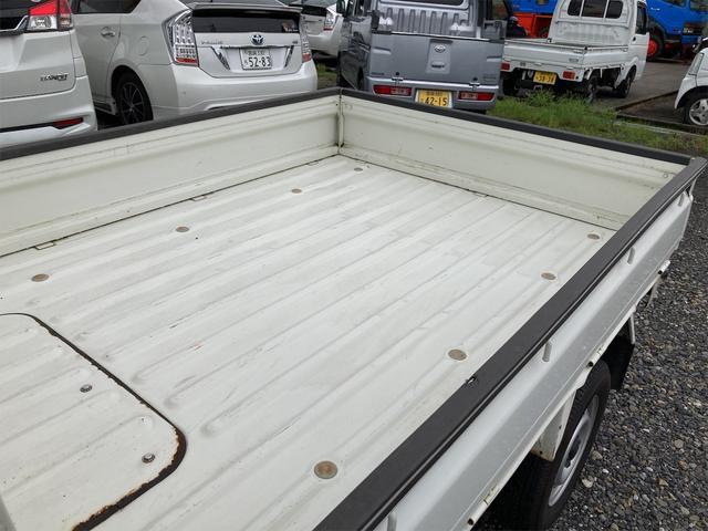 エアコン・パワステ スペシャル 4WD AC パワステ 5速MT 三方開 車検令和5年5月 ヘッドライトレベライザー 最大積載量350kg(17枚目)