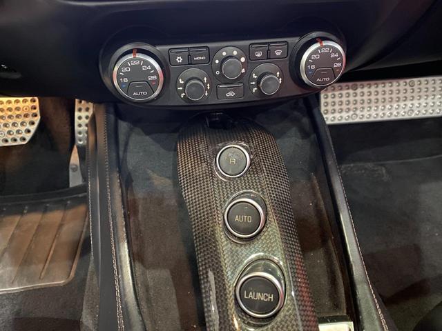 F1 DCT 特注カラーROSSO CALIFORNIA カーボンファイバーステアリング+LED フロントカメラ リアカメラ ROSSOブレーキキャリパー DAYTONA STYLEシート 20インチ鍛造ホイール(31枚目)