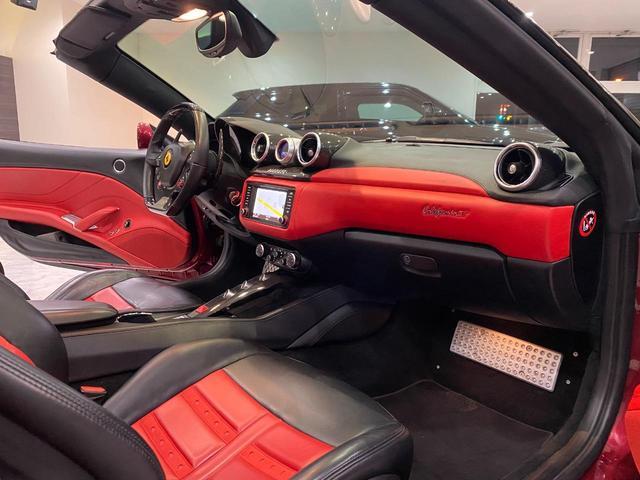 F1 DCT 特注カラーROSSO CALIFORNIA カーボンファイバーステアリング+LED フロントカメラ リアカメラ ROSSOブレーキキャリパー DAYTONA STYLEシート 20インチ鍛造ホイール(34枚目)