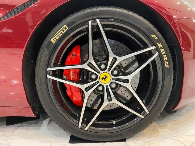 F1 DCT 特注カラーROSSO CALIFORNIA カーボンファイバーステアリング+LED フロントカメラ リアカメラ ROSSOブレーキキャリパー DAYTONA STYLEシート 20インチ鍛造ホイール(42枚目)